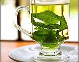 photo of a refreshing glass of cold peppermint tea