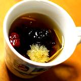 photo of a cup of medicinal tea a natural bronchitis remedy